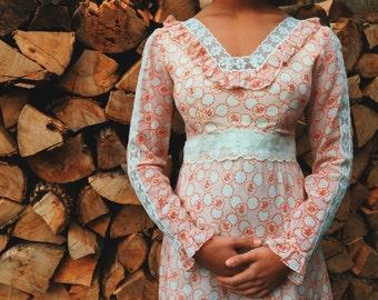 1970's handmade floral gunne sax dress, romantic!