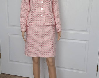 Vintage Tweed Womens suit Classic pink and white 90s J.G.Hook tailored fit