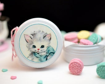 Sweet Petite Play Scale Kitschy Kitty Cookie Tin in White