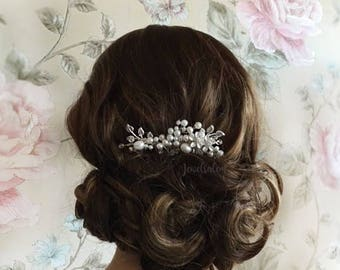 Silver Wedding Hair Comb Pearl Bridal Hair Accessories Romantic Hair Slide Elegant Hair Adornment for Bride Whimsical Silver Leaf Hair Clip