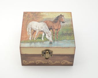 Horses to the water, wooden jewelry box, horses jewelry box, horse box, decoupage box, shabby chic box, home decoration, art box, horses