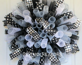 XL Black Silver White Curly Wreath – New Years Spiral Deco Mesh Wreath, Festive Party Wreath, Sports Team, Texas Spurs Raiders White Sox