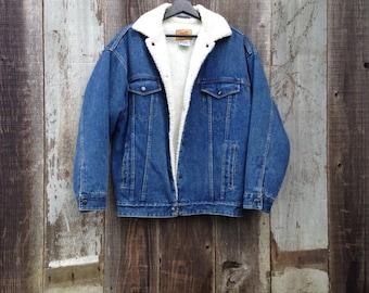Beautiful Vintage Sherpa Denim Jacket   Insulated Denim Jacket  