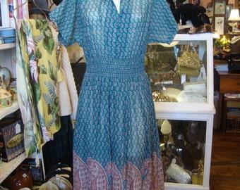 Vintage 1960's Cotton Paisley Border Print Boho Dress * S-M