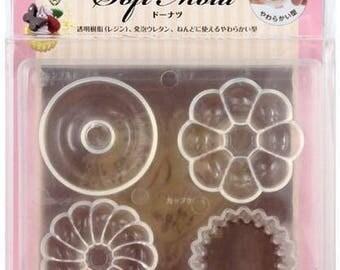 A mold to donuts Donuts Padico