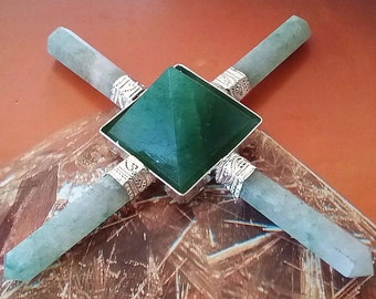 Large 5 Stone Solid GREEN AVENTURINE Crystal Pyramid Energy GENERATOR With 4 Six-Sided Points, Reiki