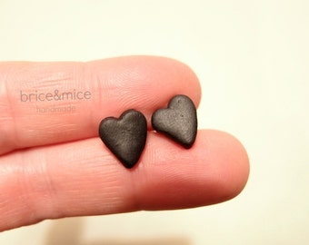 Black lobe heart earrings, heart earrings, dark woman earrings, black earrings, heart jewelry, unisex jewelry, gift for her