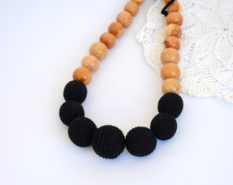 Classic nursing necklace Black - mommy necklace - toddler necklace - teething necklace - crochet necklace - crochet jewelry