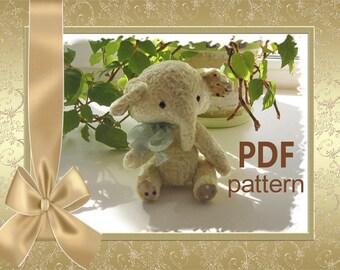 PDF pattern elephant Trinca 13 cm.