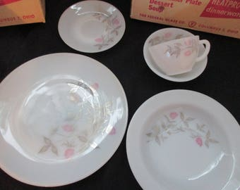 Vintage, Federal Glass Co., Clover Blossom, Heatproof Dinnerware, 5 Piece Place Setting in Original Box. 1960