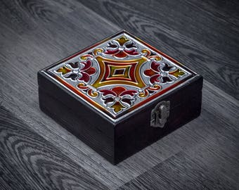 Jewelry box wood/Decorated box/Embossed box/Keepsake wooden box/Trinket box/Square wooden box with a lid/ Memory box/Repujado