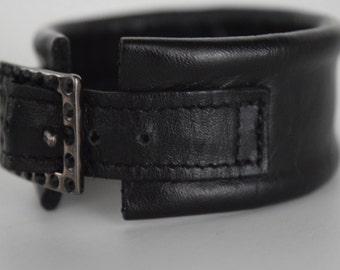 Band bracelet, black leather with buckle and Rhinestones, made in Italy