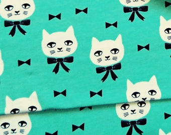 Cats, Andrea Lauren, fabric stretch
