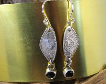BO-263 earring 999 silver metal clay with black onyx - free transport