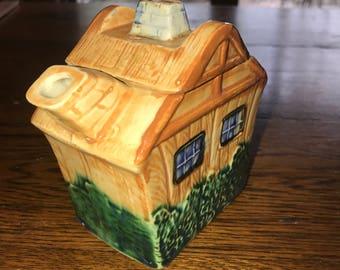 Teapot vintage cottage