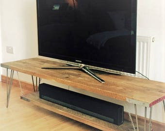 Scaffolding board TV table with steel hairpin legs