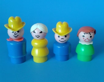"""Fisher Price Little People """" #915 Family Farm Dad, Mom, Girl, Boy """" 1970's"""