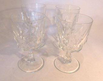Set of four Arcoroc, France wine glasses – original from the 1970s