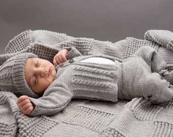 Hand knitted baby set jacket+pants+hat+shoes in grey. Merino extrafine. 0-1.5 months. For Newborns.gift. Made to order.