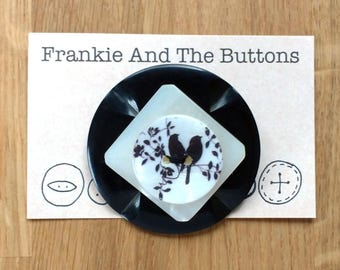 Magpies black and white button brooch, 'two for joy' nursery rhyme superstition gift, UK garden birds anniversary folklore jewellery