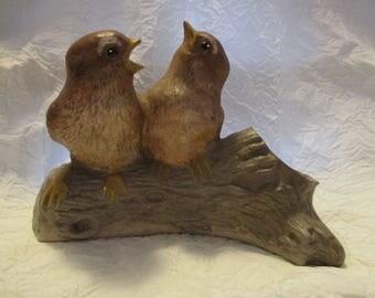 Vintage ceramic Unmarked Decorative bird sparrow Figure Knick Knack