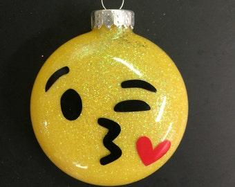 Emoji glitter ornament - kiss face