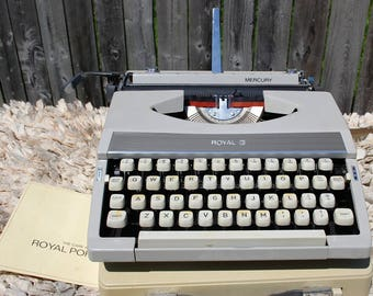 1968 Royal Mercury Portable Typewriter with good ribbon!