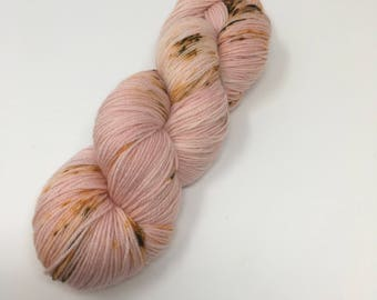 Arabesque Indie Dyed Yarn on Merino cashmere Nylon MCN pink brown  speckled