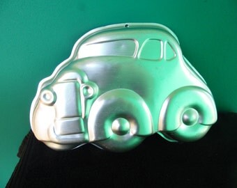 Old Classic Car cake pan by Wilton