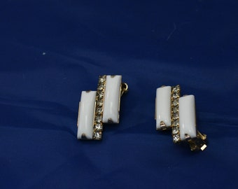 Hi-Low Staggered White Earrings with Rhinstsones Clip On
