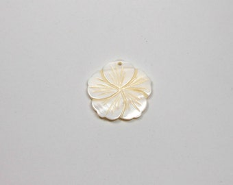1 Mother of Pearl Tabbed Flower Pendant, 27mm, Mother of Pearl, Gemstone Pendant, Flower Pendant, Gemstone Supply, Tabbed, Plant Shape