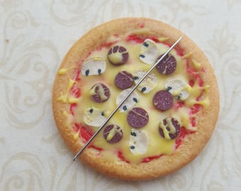Needle minder, pizza fast food themed needle rest, novelty food  cross stitch needle rest, food  themed gift for crafter, needle accessory