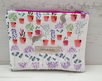 Small Make up bag/notions pouch