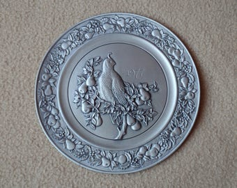Hallmark Little Gallery Pewter Plate 1977