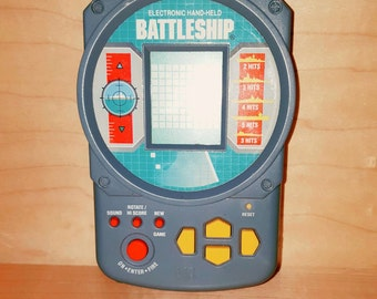 Electronic Hand - Held BATTLESHIP 1995 by MB