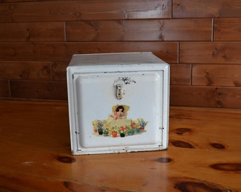Vintage Bread Or Pie Safe, Metal Pie Safe With Latch And Transfer Decoration