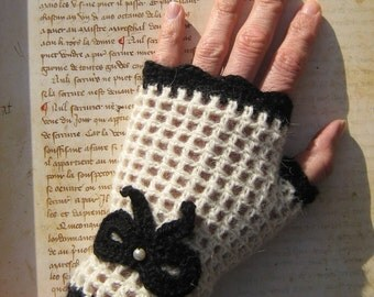Vintage pin-up fingerless gloves mittens white naturel black knot and bead wool 100% Alpaca steampunk gothic lolita pin-up