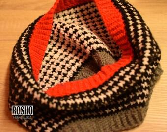 Hounstooth round scarve