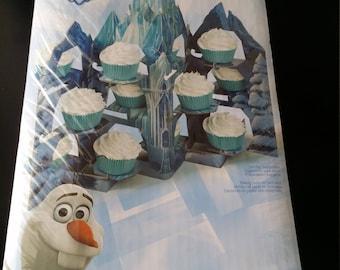 Frozen cupcake stand