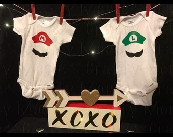 Mario and Luigi baby bodysuit set/Twin Sets/Twin baby boy clothes/twin baby girl clothes/ baby clothes/ Twinning/ super mario and luigi