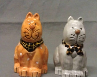 Cardinal Inc. Beige and Tan Cats with Colors Salt and Pepper Shaker Set