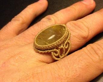 Macramè ring with rutilated quartz.