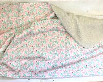unicorn blanket | etsy - Kinderbett Design Pluschtiere Kleinen Einschlafen