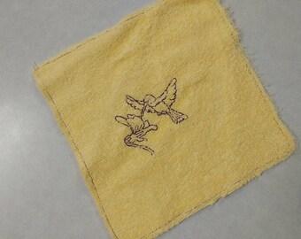 Hummingbird, kids washcloth, baby washcloth, yellow, white, embroidered, gift under 10, kids gift, stocking stuffer, 8x8 kids washcloth