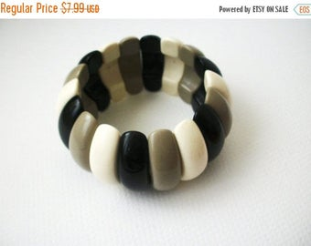 ON SALE Retro Wide Chunky Plastic Stretch Bracelet 31217