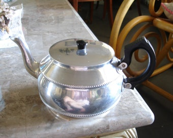 Vintage Teapot Aluminum Sona Chrome J31,Stratford on Avon England,Made by NCJ Ltd,Retro,Country cottage,tearoom,bed and breakfast,