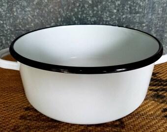 Large White Enamel Cooking Pot, Farmhouse Decor, Kitchen, Storage