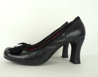 Vintage Reaction Black Croc Print Heels Size 9, Black Leather Pumps,  Black Heels, Croc Print, Animal Print, Leather Heels, Velvet Bow Trim