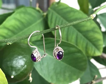 Sterling silver and amethyst cabochons antique look small earrings victorian style 925 dangling dainty deep purple