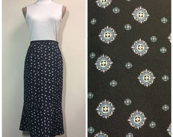 Vintage tile print midi skirt in black